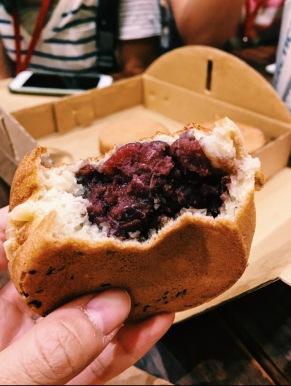 Red bean wheel cake